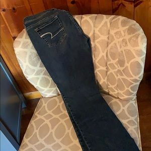 American Eagle dark wash blue jeans